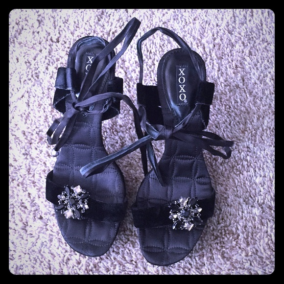XOXO Shoes - XOXO lace up ankle heels